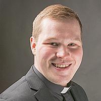 Kuvassa Haukiputaan seurakunnan pappi Samuli Ruusuvuori